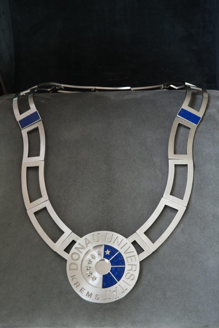 Lapis Lazuli, Edelstahl